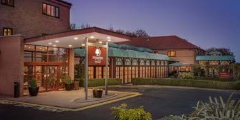 exterior dusk doubletree by hilton forest pines